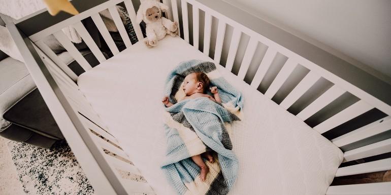 Jakie powinno być idealne łóżeczko dla dziecka?